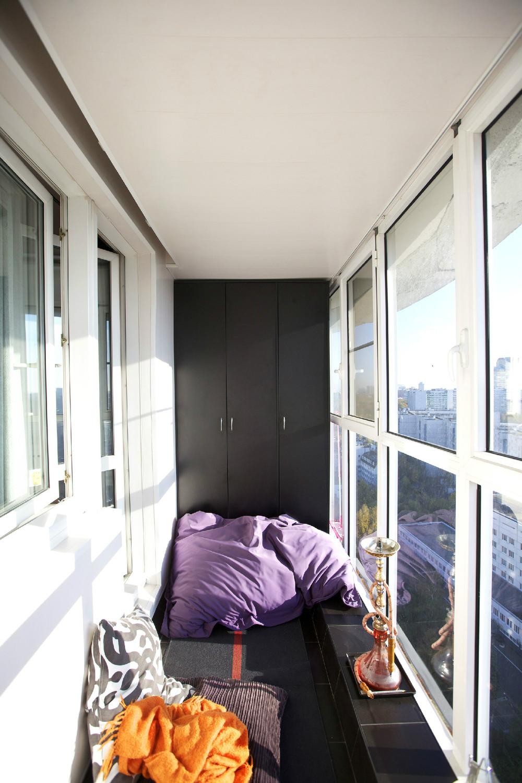 Балкон и кальян